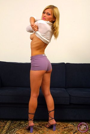 Booty in Shorts Pics