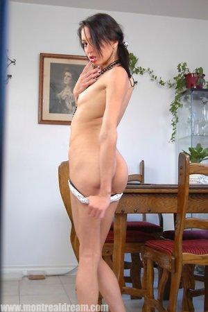 Skinny Booty Pics